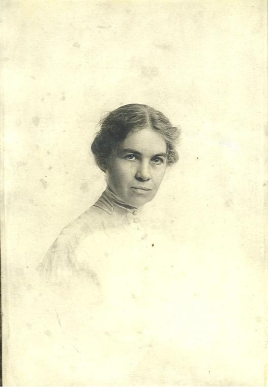 Mary Edna Carter Gates, circa ... 1900?